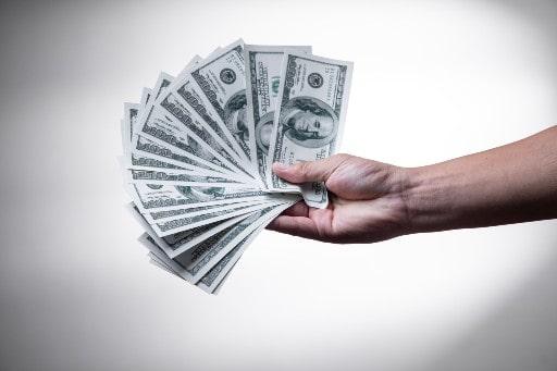 クレジットカード以外のオンラインカジノ決済も検討を